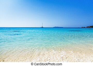 La Digue island, Seyshelles, Anse Source d'Argent. White...