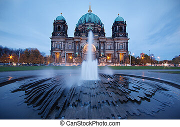 Berlin cathedral - Berlin, Germany: Cathedral at dusk