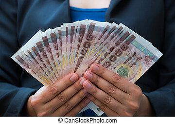 錢, 婦女, 事務, 藏品