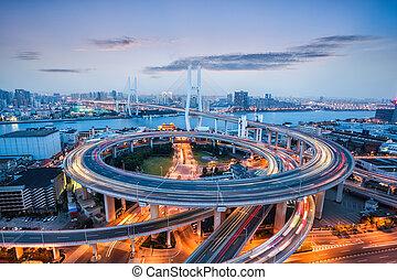 shanghai nanpu bridge at dusk - beautiful nanpu bridge at...