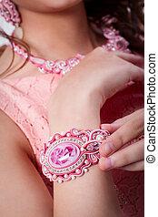 rosa, pulsera, Técnica, soutache, mano