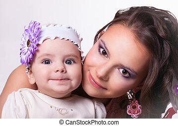 hermoso, divertido, hija, madre, meses, sonriente,  6, bebé