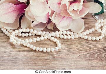 magnolia, flores, perlas