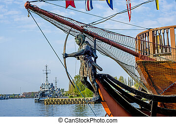 Swinoujscie port, Poland, figurehead with warships
