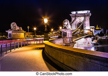 Night view of the famous Chain Bridge in Budapest, Hungary. The Hungarian name of the 203 meters long bridge is Lanchid or Szechenyi Lanchid.