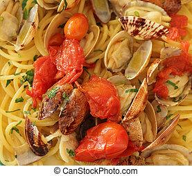 Spaghetti alle vongole veraci - spaghetti with clams,...
