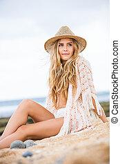 Beautiful young woman outdoors - Fashion lifestyle,...