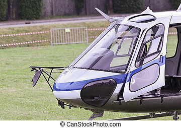 Elicottero - Helicopter waiting to take-off with the door...