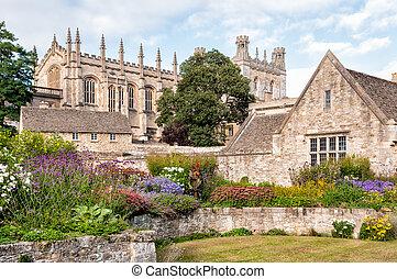 The War Memorial Garden, Oxford - The War Memorial Garden at...