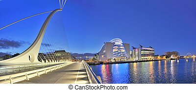 Samuel Beckett Bridge in Dublin at night resembling harp