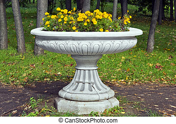 Marble vase with French Marigold - Marble old mass...
