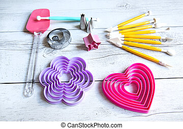 Tools to make cookies, cake and cake decorated