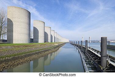 concrete windbreak - windbreak around the Caland canal in...