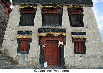 Namgyal Tsemo Gompa, Leh, India - Namgyal Tsemo Gompa -...