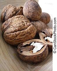 Walnuts truly bio - In the picture are real bio walnuts,...