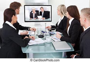 businesspeople, Asistir, vídeo, conferencia