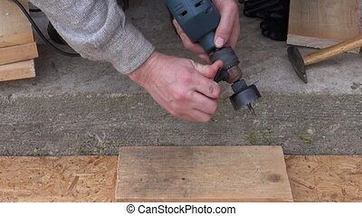 drill tool for bird house hole