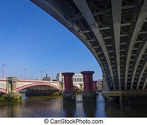 Blackfriars Bridges
