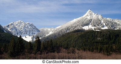 Pointed Ridge Top Cascade Mountain Range North Cascades - A...