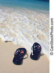 Aussie thongs on on the beach holiday - Patriotic Aussie...