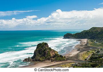 Piha beach - Beautiful Piha beach near Auckland with a...