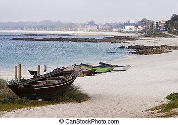 Fontaintilde;a or Sirenita Beach in Vigo - Old boats in...