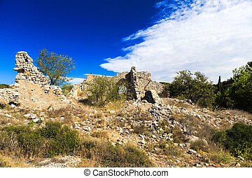 Old disintegrate stone cottage in the hills around Gruissan...