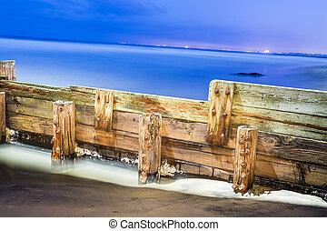 Wooden break wall