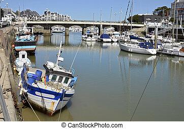 Port of Pouliguen in France
