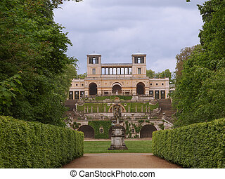 Orangerie in Potsdam - Orangerie in Park Sanssouci in...