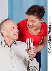 starszy, Człowiek, picie, woda