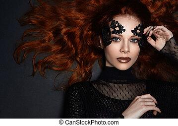 bonito, vermelho-haired, menina, Renda, Maquilagem, escuro