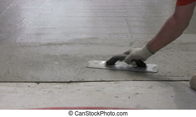 edging - worker edges (finishes) concrete