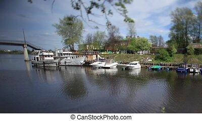 Mooring boats and yachts Tilt - Fishing Village Mooring...