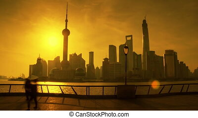 Sunrise in Shanghai hyperlapse - Pudong view on the Bund...