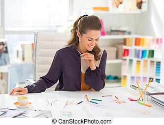 feliz, Moda, diseñador, trabajando, oficina