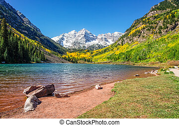 Maroon Bells in Autumn - scenic maroon bells near aspen...