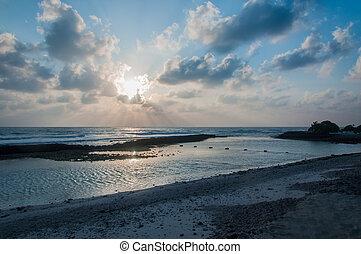 Blue dusk sky - Sunrise - Sea Ocean - Sun Rays