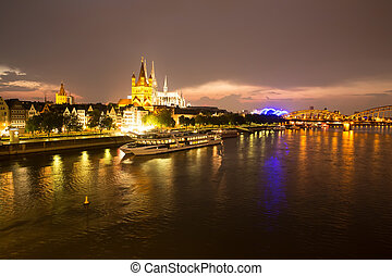 Cologne at night - Nightly view on the cathedral of Cologne...