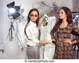 women in haute couture pnry - woman in fashion atelier haute...