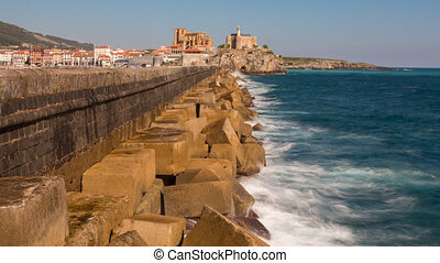 Breakwater Castro Urdiales - 4K Version Long exposure...