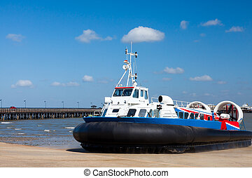 Ryde Hovercraft Isle Of Wight - The Ryde Portsmouth...