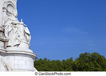 Victoria Memorial in London - The beautiful Victoria...