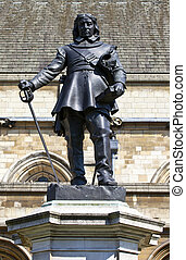 Oliver Cromwell Statue in London - Statue of Oliver Cromwell...