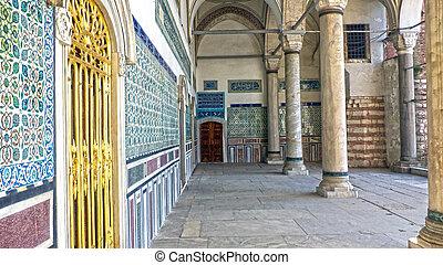 Topkapi Palace, - Corridor at the Topkapi Palace, Istanbul