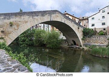 Puente de la Carcel o Puente Picudo sobre el Rio Ega,...