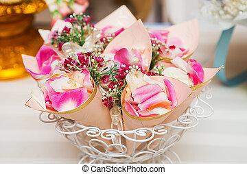 Cone paper roses wedding.