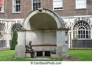 John Keats statue - Statue of John Keats guys hospital