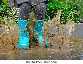 身に着けていること, 青, 水たまり, 雨, 跳躍, ブーツ, 子供