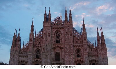 cathedral Duomo di Milano in twilight, timelapse